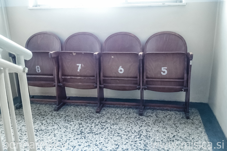 BorinaMisica-stoli